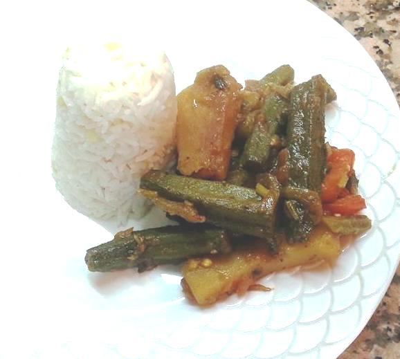 SINDHI SAYEL OKRA WITH POTATOES